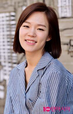 Han Ye Ri41