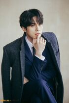 Lee Dong Wook43