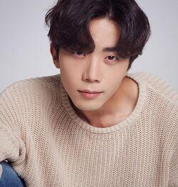 Yoon Tae Woo 02