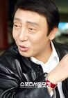 Park Yoon Bae3