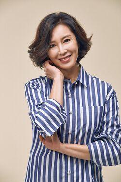 Shim Hye Jin2