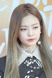 06f1013e2ea53c749e7dc98a0a70e68d--blackpink-jennie-hair-jennie-blackpink