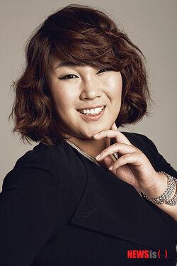 Kim Min Kyung 1981 C 005