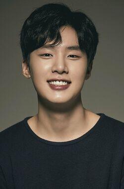Kim Dong Hee-03