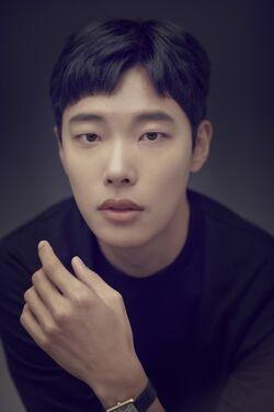 Ryu Jun Yeol32