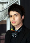Lee Dong Wook7