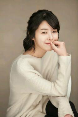Min Ji Ah12