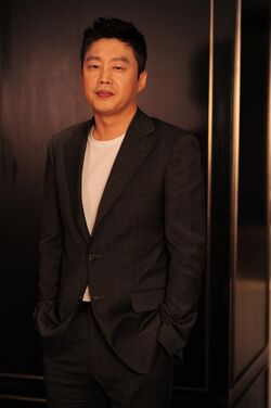Kim Hee Won13