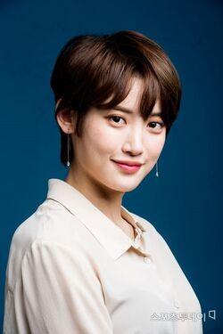 Hong Seo Young7