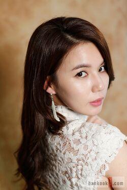 Park Shi Eun42