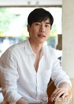 Choi Seung Yoon1