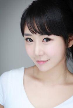 Kim Yoon Joo (1987)