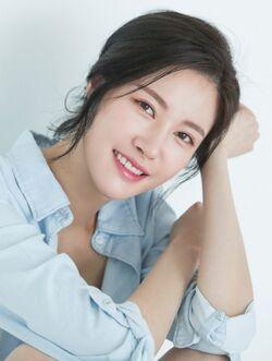 Moon Yoo Bin1