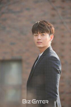 Lee Ji Hoon (1988)38