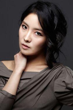 Ha Ji Eun002