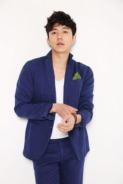 Lee Ho000