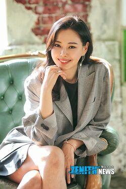 Lee Ha Nui32