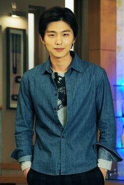Shin Dong Wook17