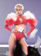 Miley Cyrus - Bangerz Tour-PLNsYihF241l