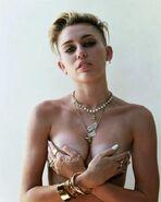 Miley Cyrus - 92b9c01c9434c93c447