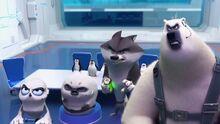Penguins-of-madagascar-movie-clip-shopping-for-revenge-