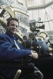 Simon Wells on set of Time Machine