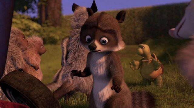 File:Over the Hedge RJ Almost Getting Caught.jpg