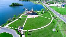 Pavilion Wolf Lake Park