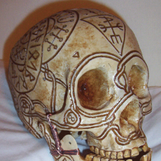 Bob the Skull with Runes, three-quarter turn