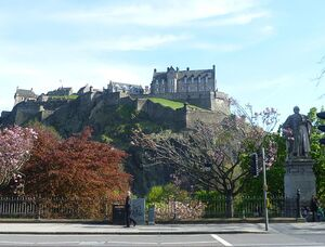 788px-Castle from Princes Street, Edinburgh