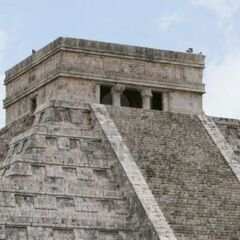 The Temple of Kukulkan atop El Castillo