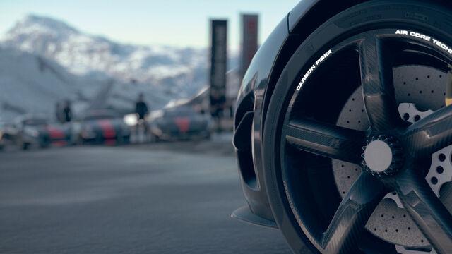 File:Agera(Wheel close-up).jpg