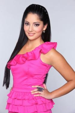 File:DSDS-2012-Top-15-Kandidatin-Angel-Burjansky-©-RTL-Stefan-Gregorowius1.jpg