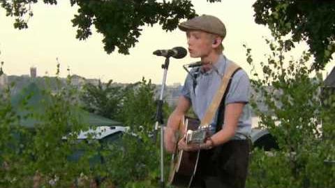 Ulrik Munther - Boys Don't Cry (Allsång på Skansen)