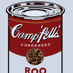 Una de las latas expuestas por Roo en <a class=