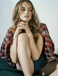 Raina Fernandez - Userpage