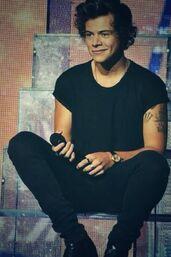 Harry-styles-sitting