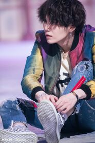 -Fake-Love-MV-Shooting-Sketch-suga-bts-41363225-2000-3000