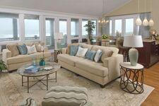 Lleo-Schmidt Residence/Living Room