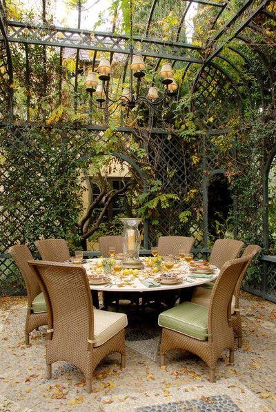 Prince Castle Garden Breakfast Nook