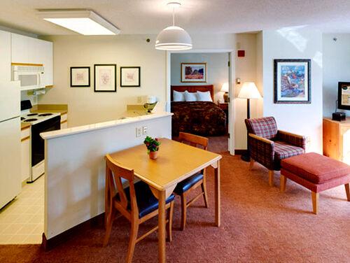 Henry Apartment
