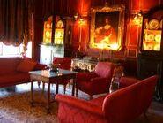 Meyers Castle family lounge