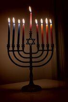 400px-Lit Hanukkiyah, eight (and last) night of Hanukkah