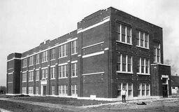 Oakdale-chr-school