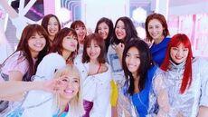 E-girls - Y.M.C.A