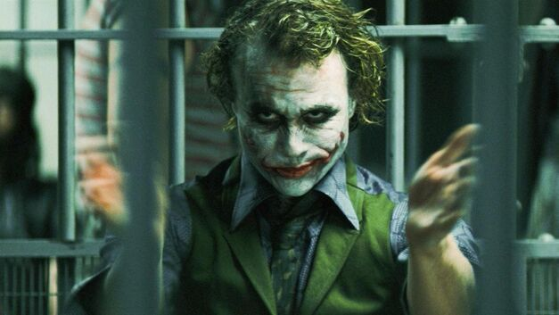 the dark knight batman joker heath ledger