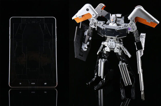 Toy Exclusives SDCC 2016 Transformers iPad