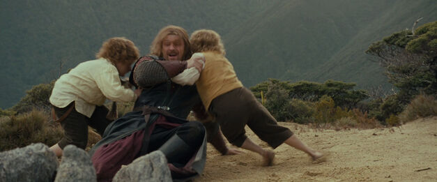 Boromir wrestles with Merry and Pippin - Lord of the Rings
