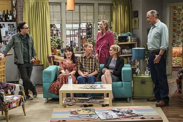 big bang theory pennys family in pennys apartment