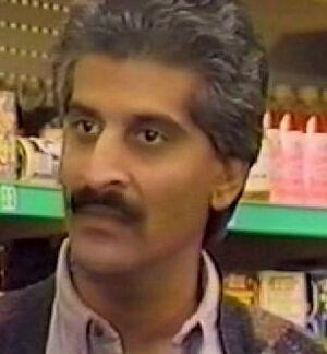 Ashraf Karim (Aftab Sachak)